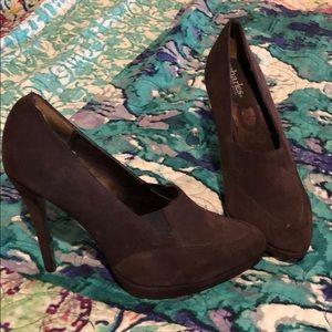 Charles by Charles David Brown Suede Pumps Size 8